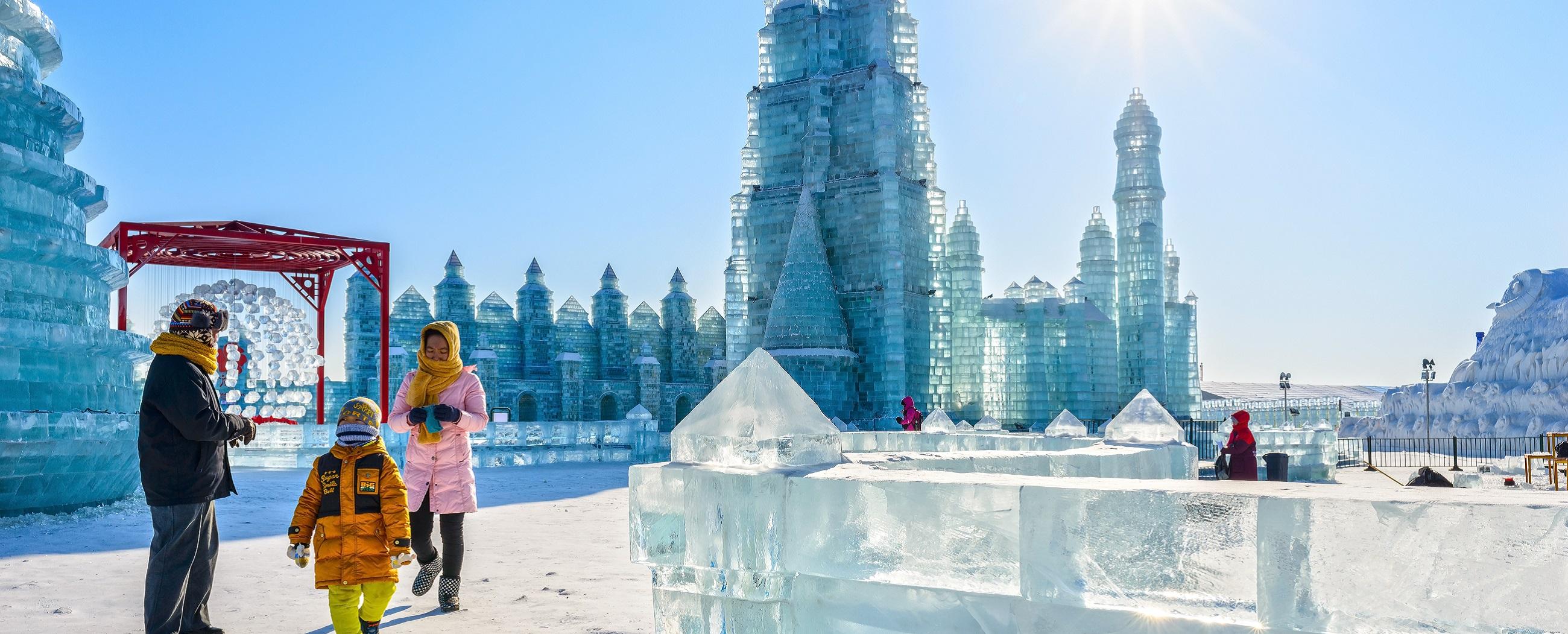 harbin-ice-festival-weird-christmas
