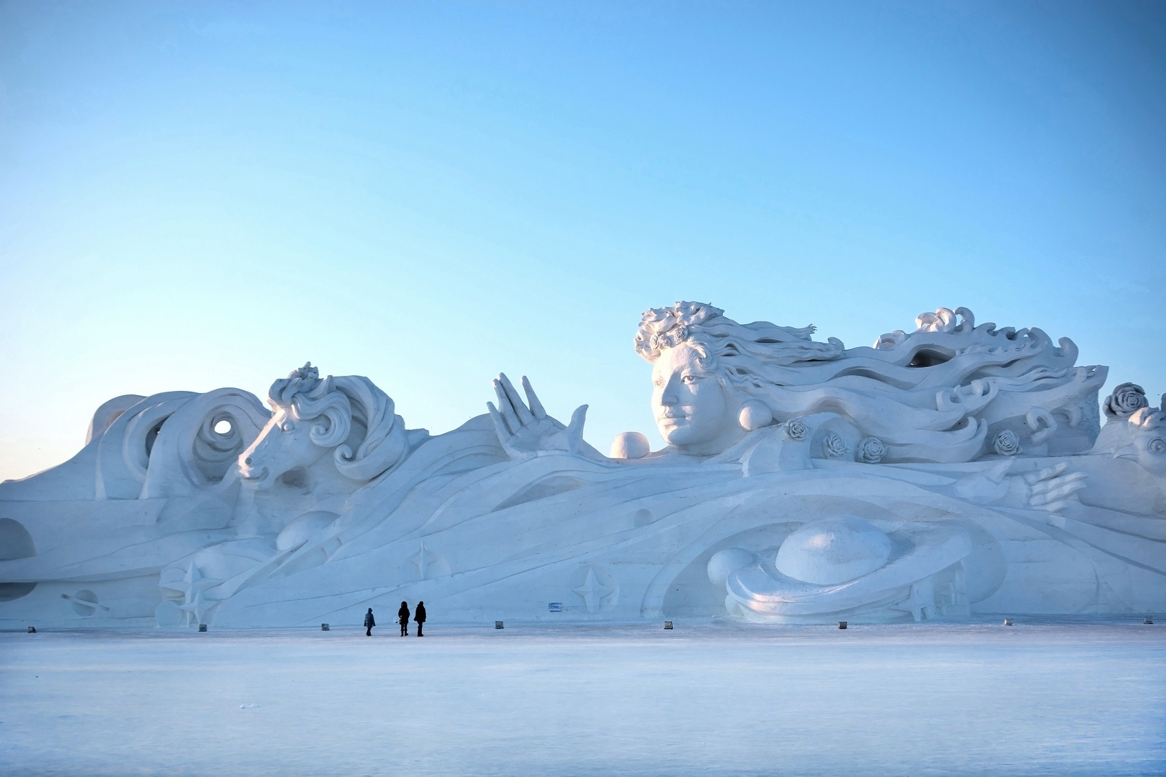 weird-christmas-traditions-ice-festival