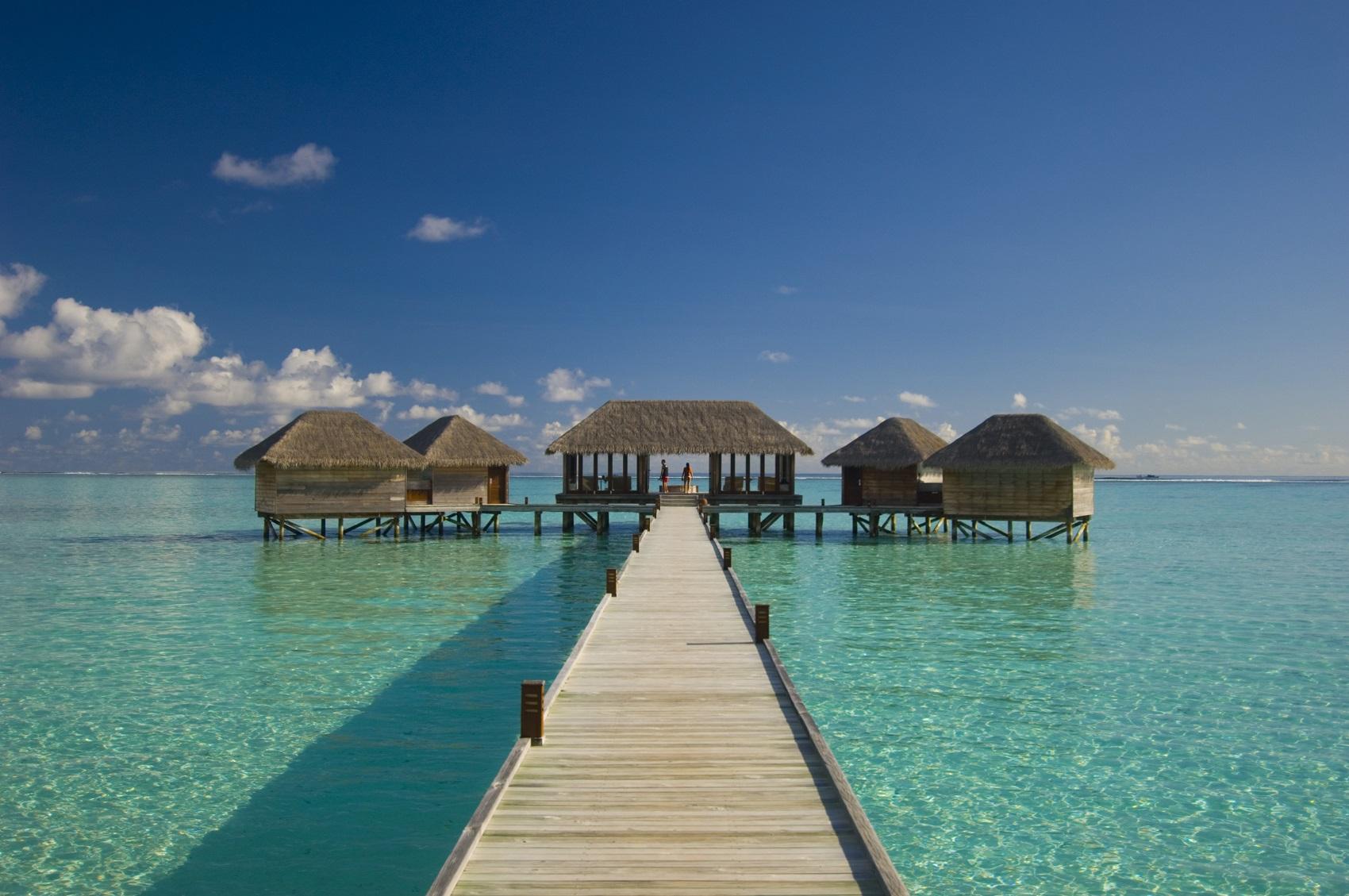 huts-in-the-maldives