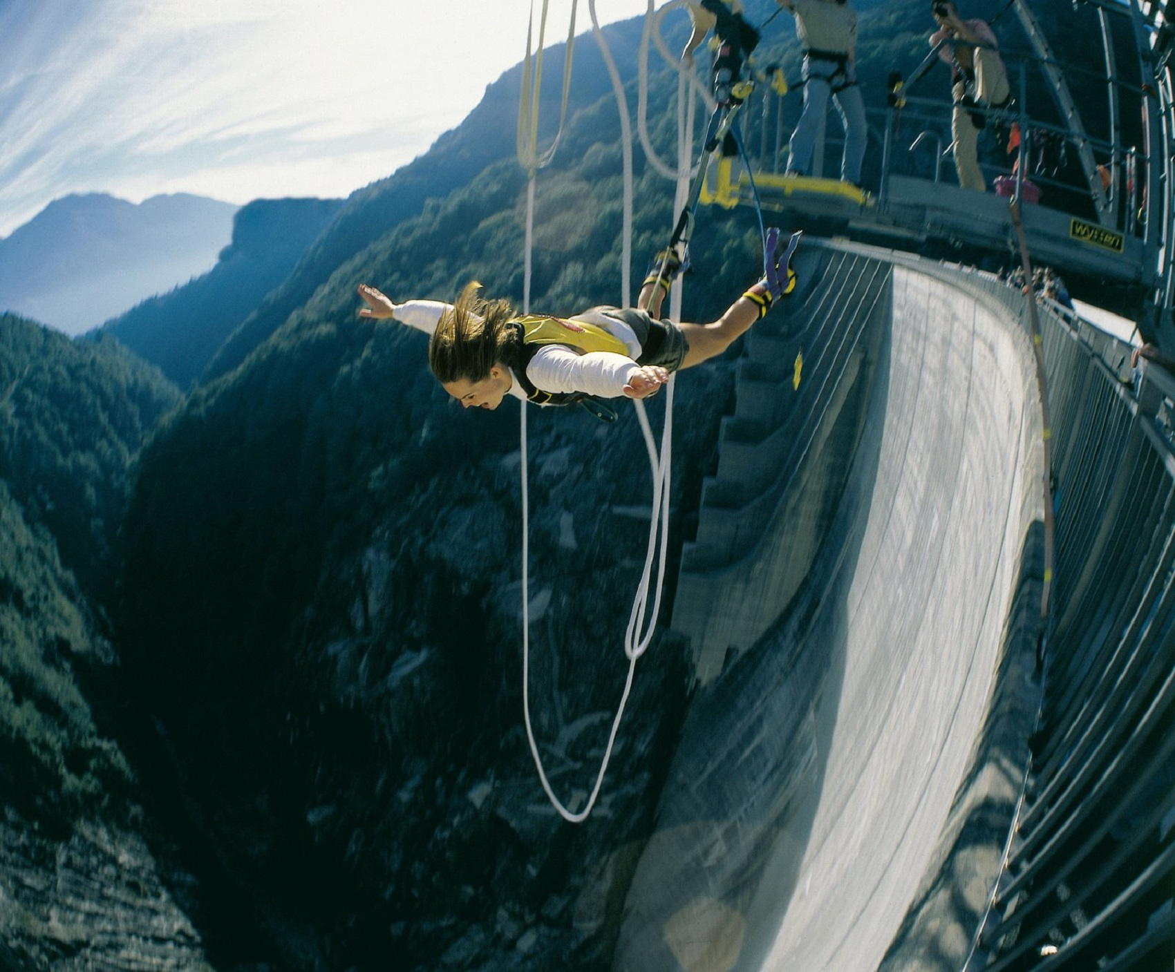 bungee-jumping-around-the-world