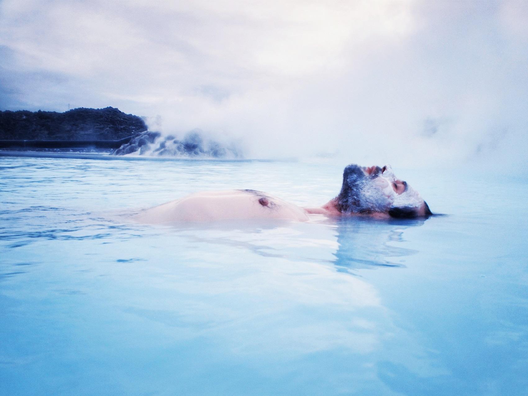 blue-lagoon-iceland-spa-couple