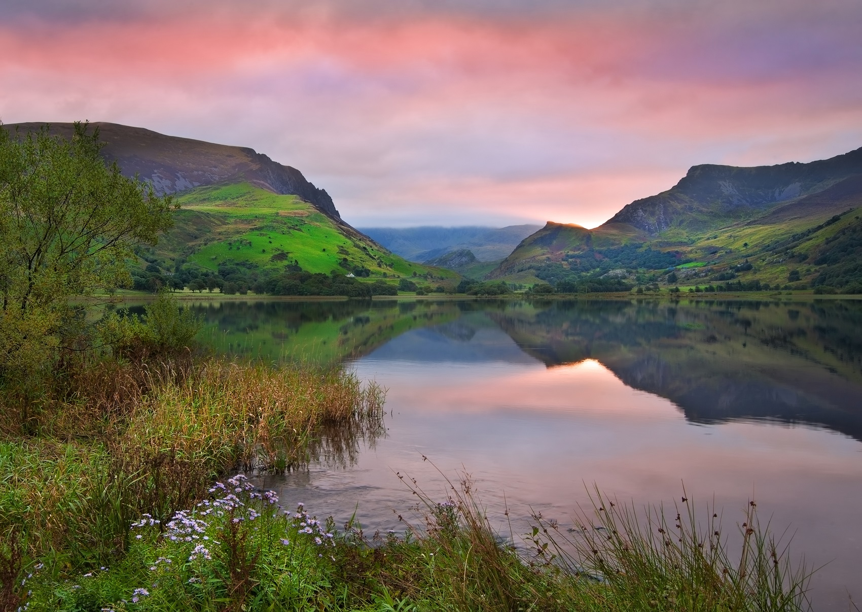 wales-national-park-lake