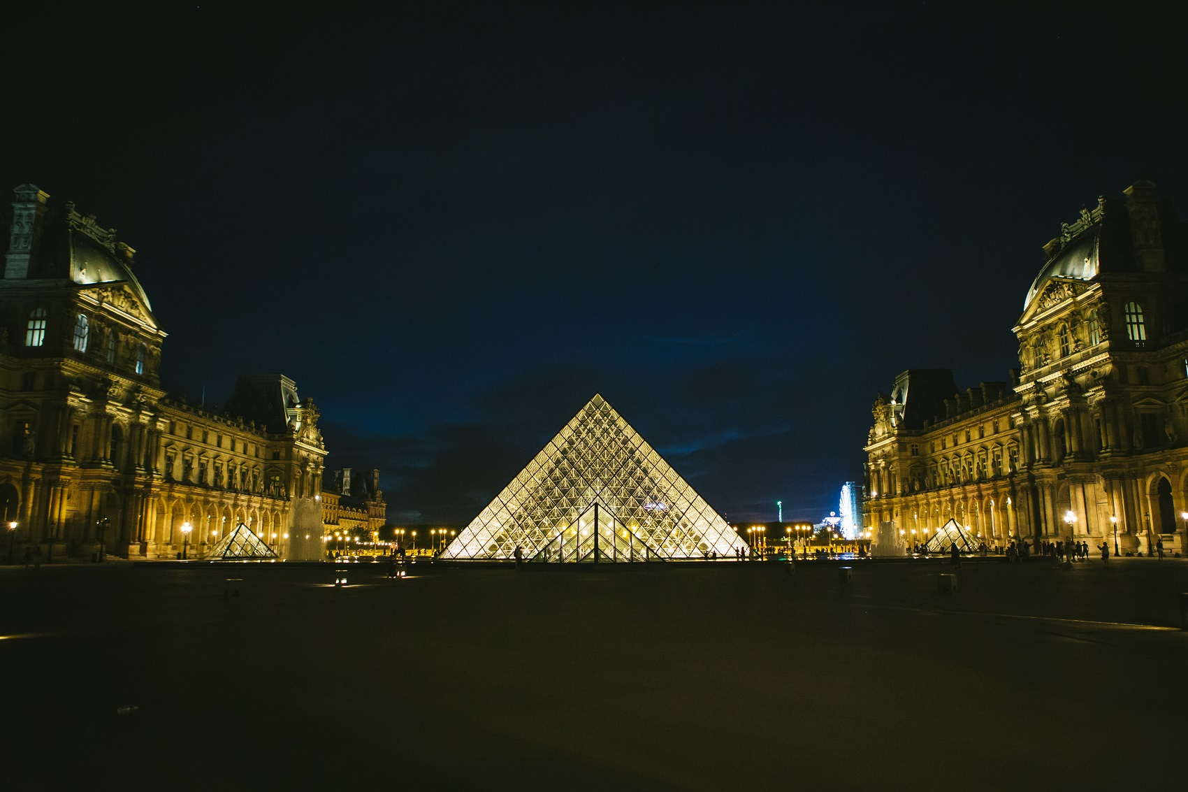 must-see-museum-louvre