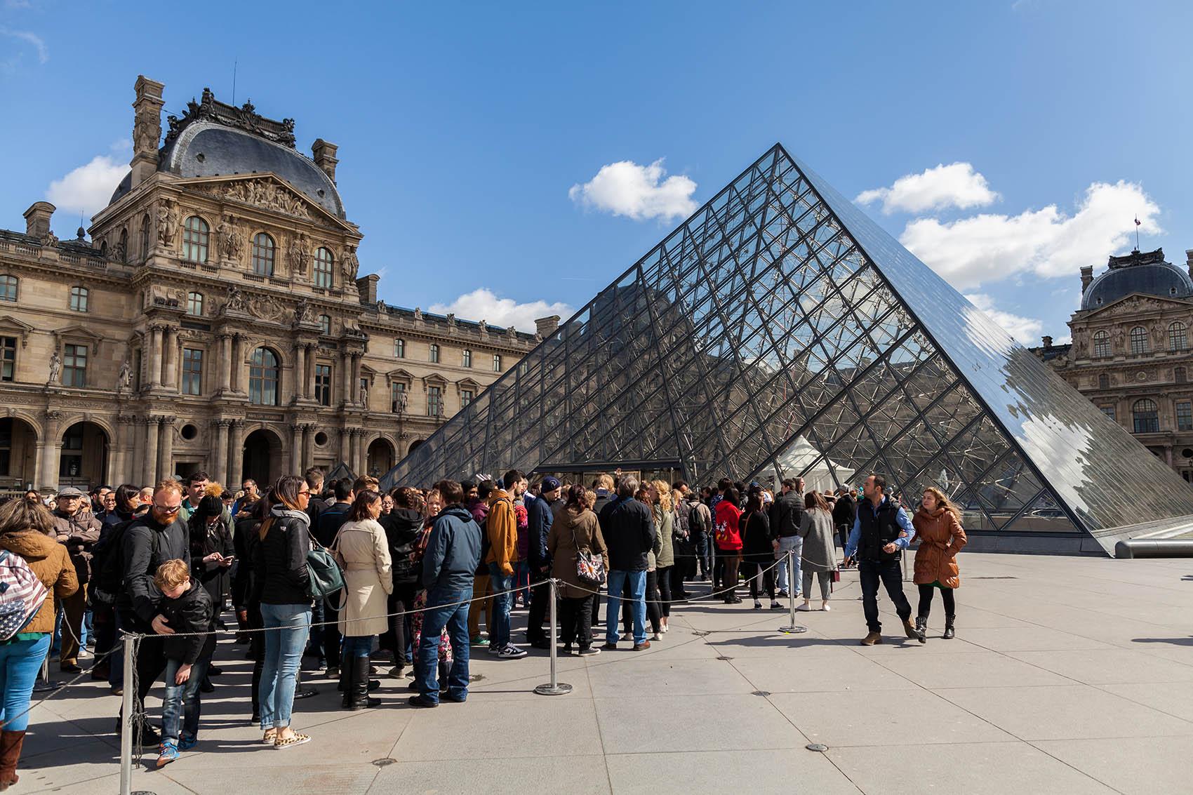 acceso-prioritario-el-louvre-paris-francia