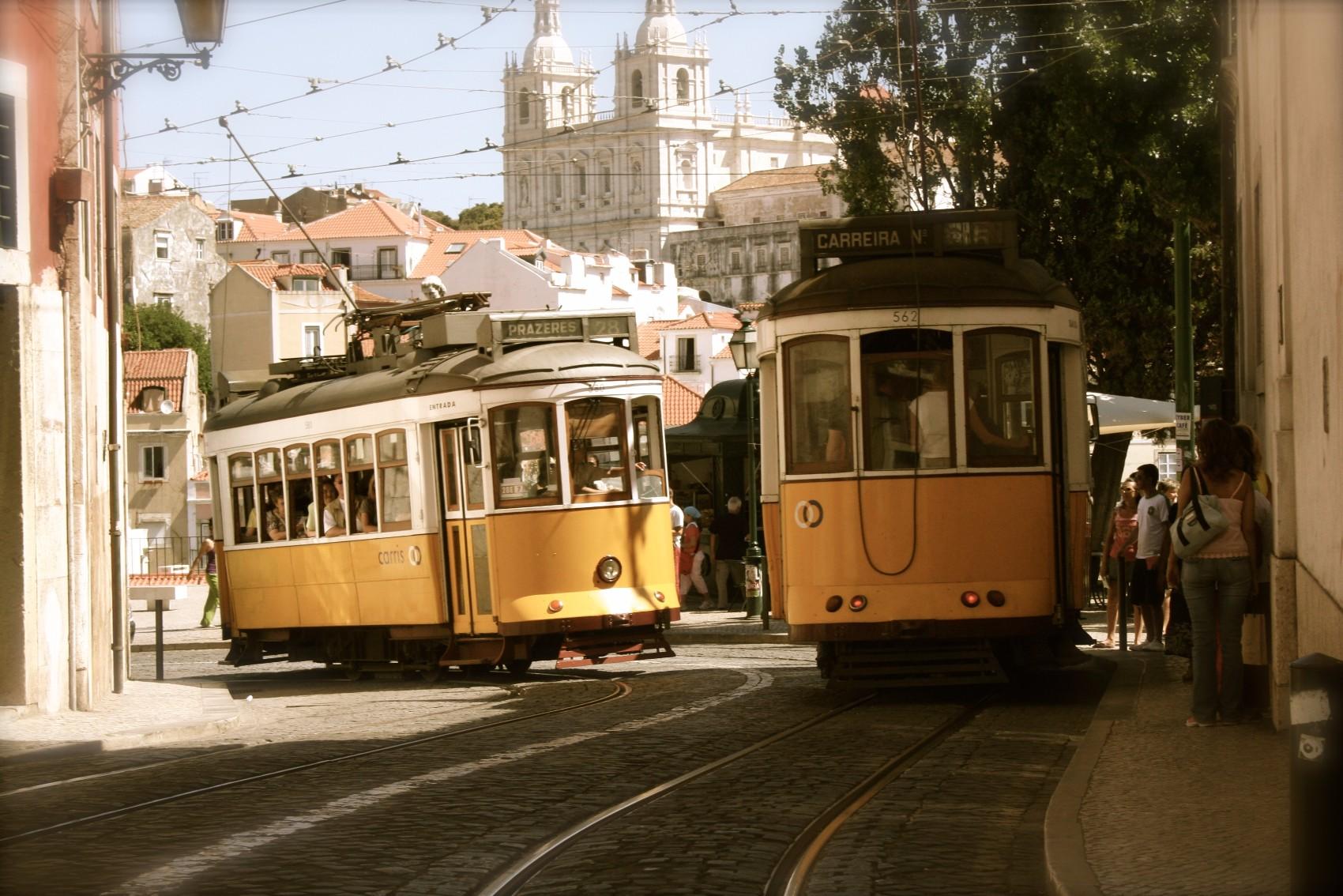 Lisbon-travel-tips