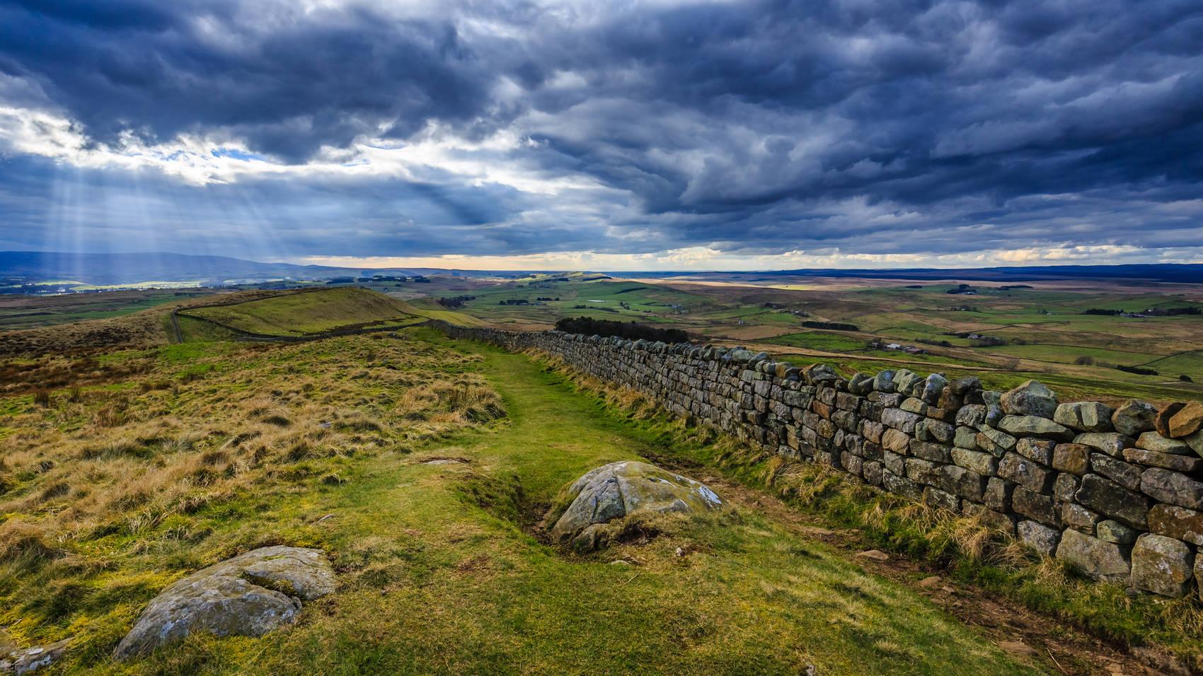 hadrian's-wall-running