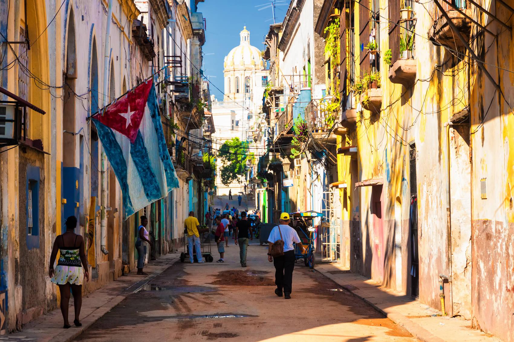 Havana-street-Cuba