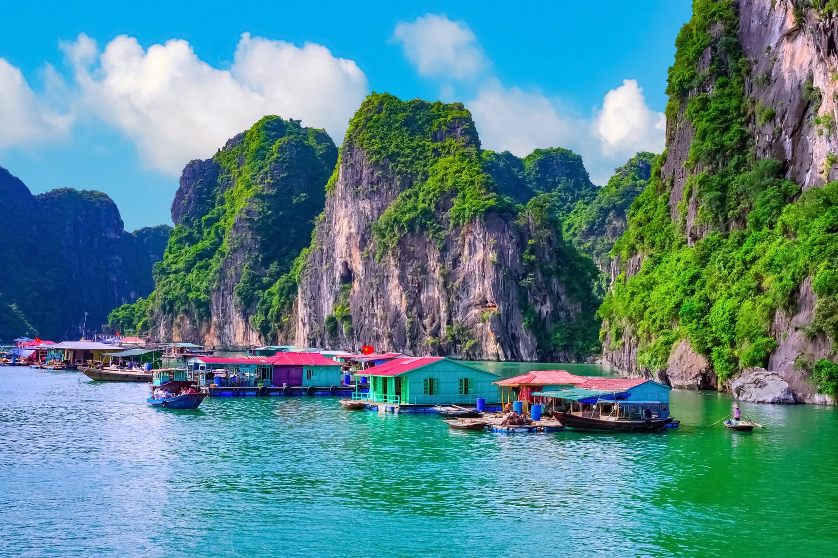 floating-village-Vietnam