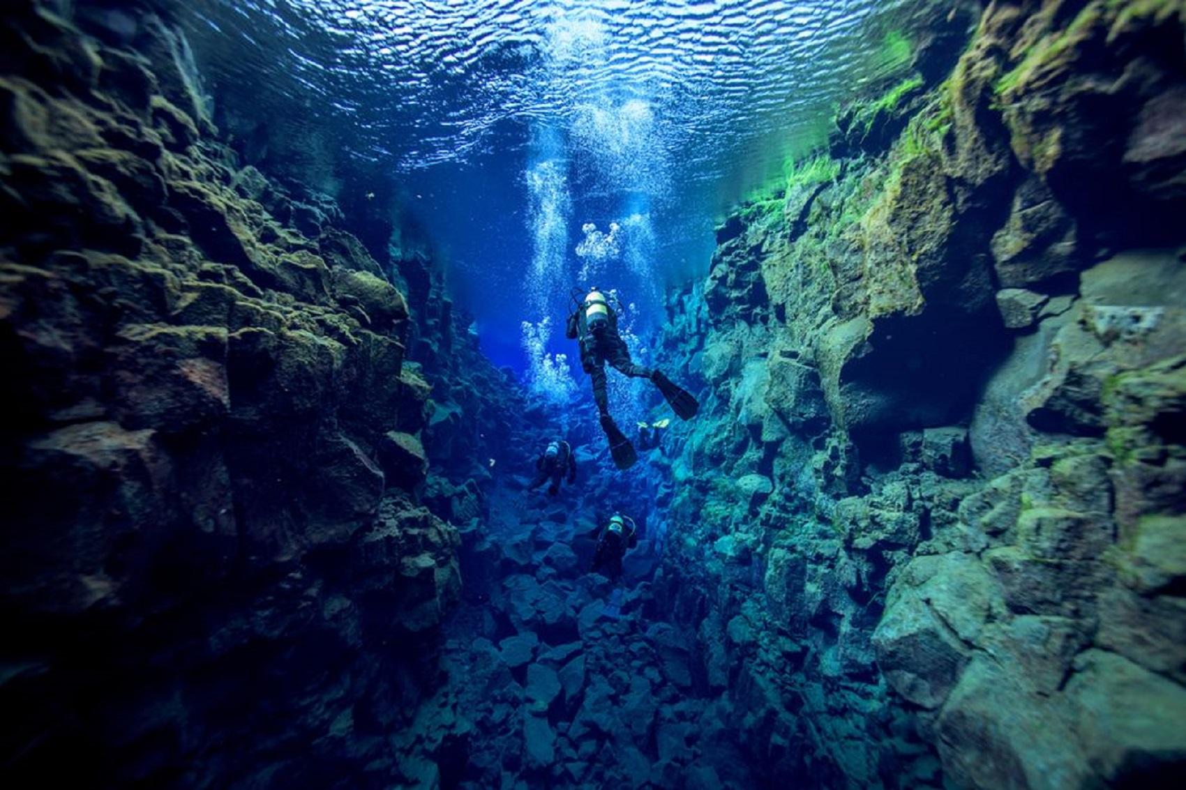 silfra-iceland-dive