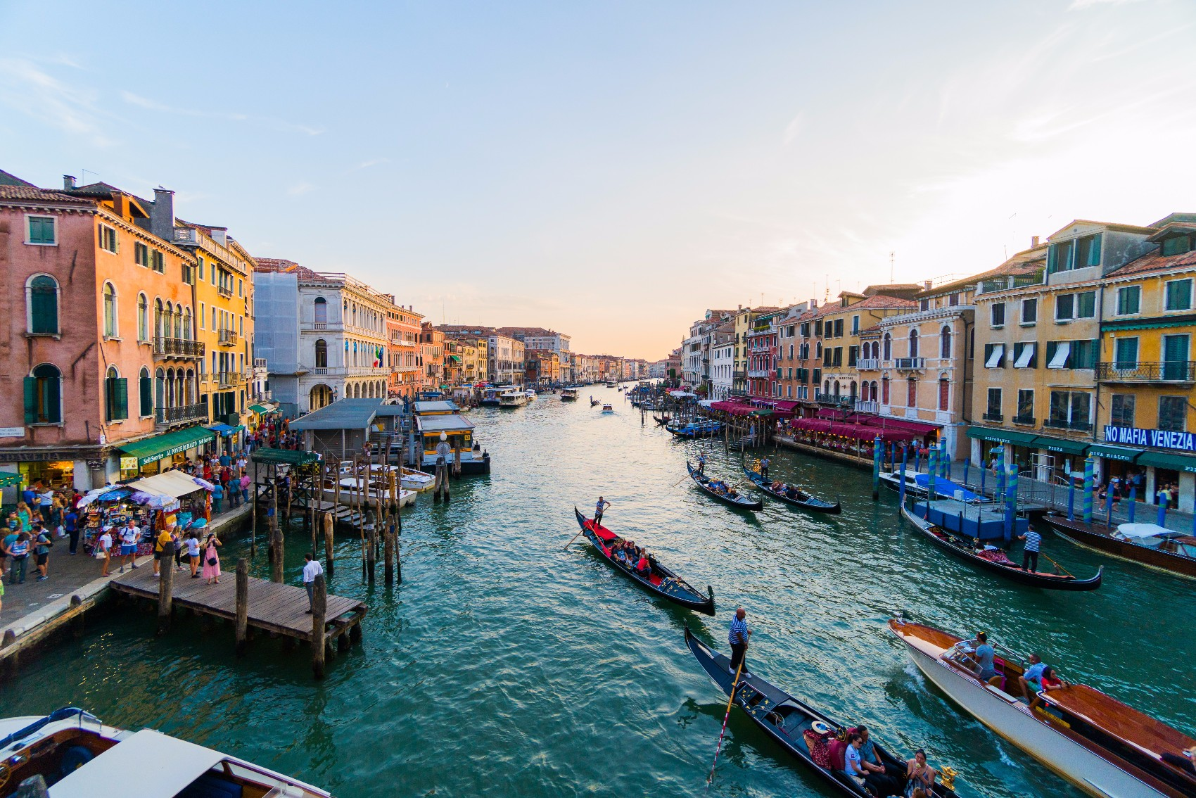travel restrictions crowded venice