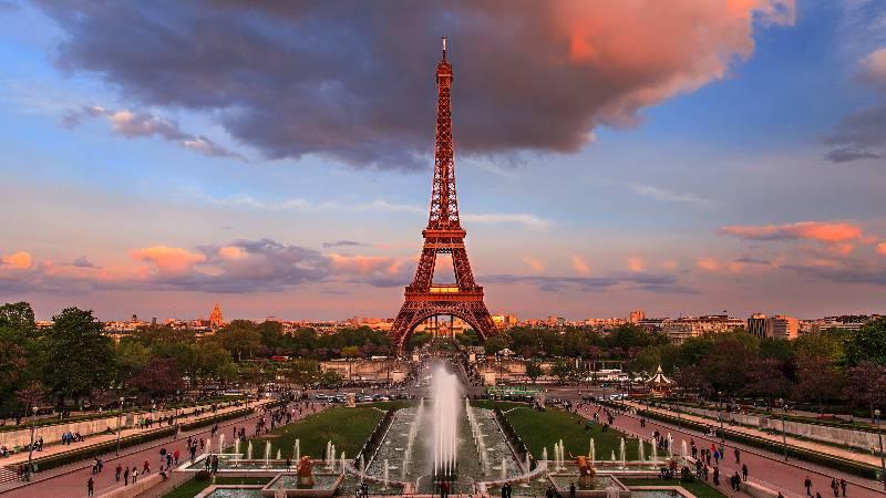 romantic-monuments-eiffel-tower