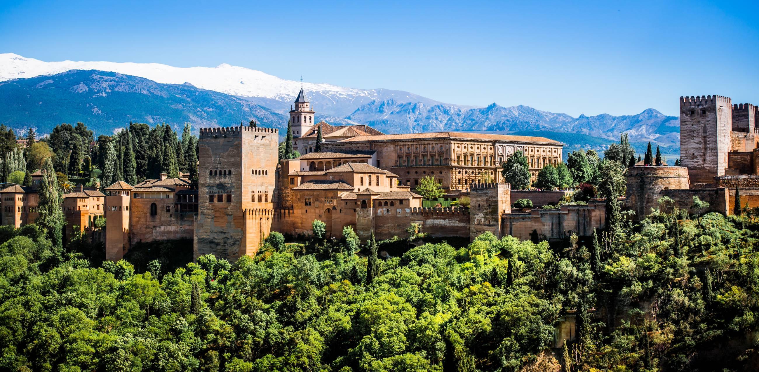 Warum-man-unbedingt-einen-Tag-in-Alhambra-verbringen-sollte