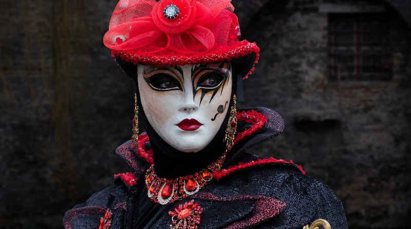 travel venice facts masks festival