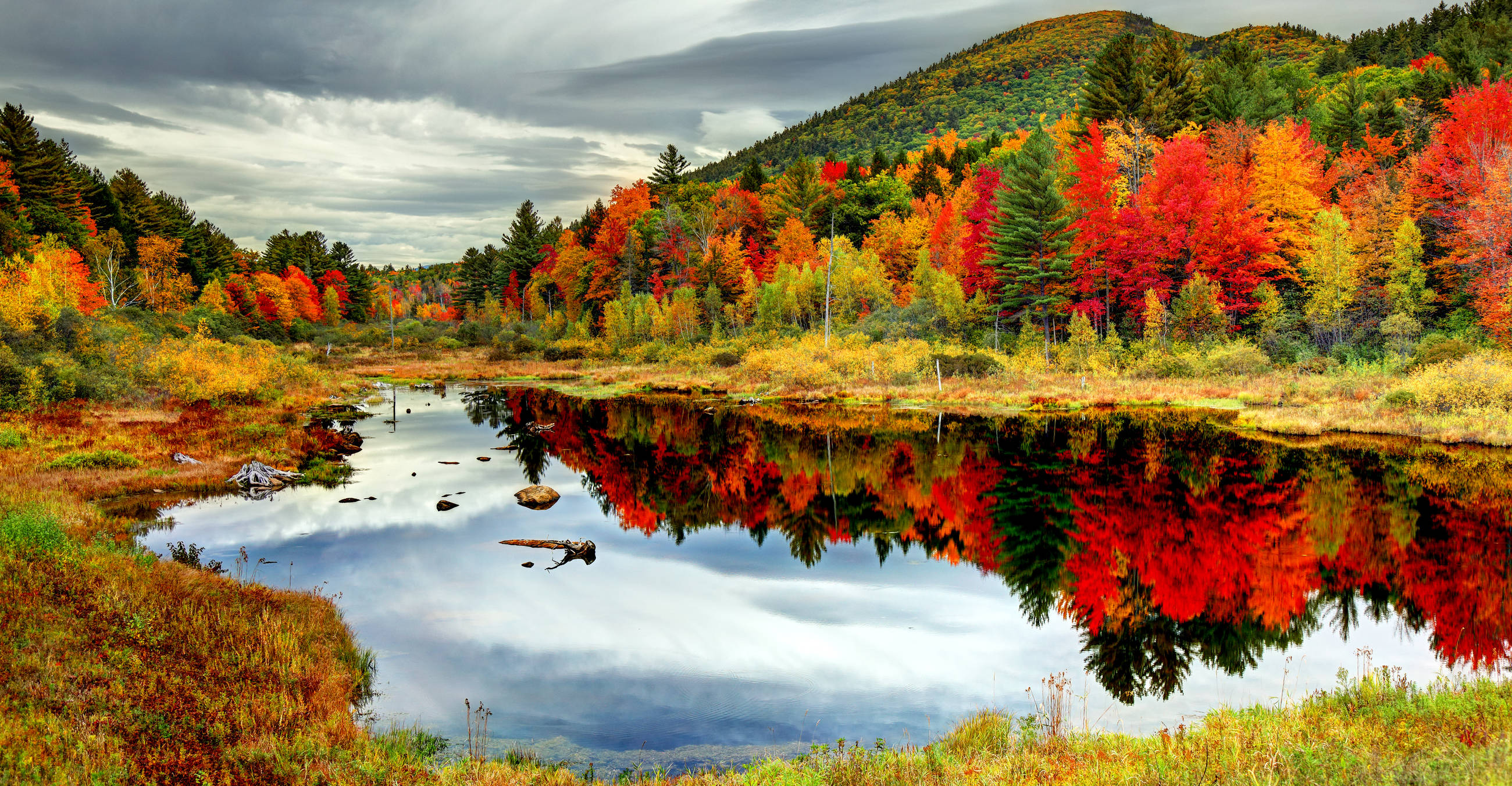 top-best places to see the leaves change-this-fall-hero