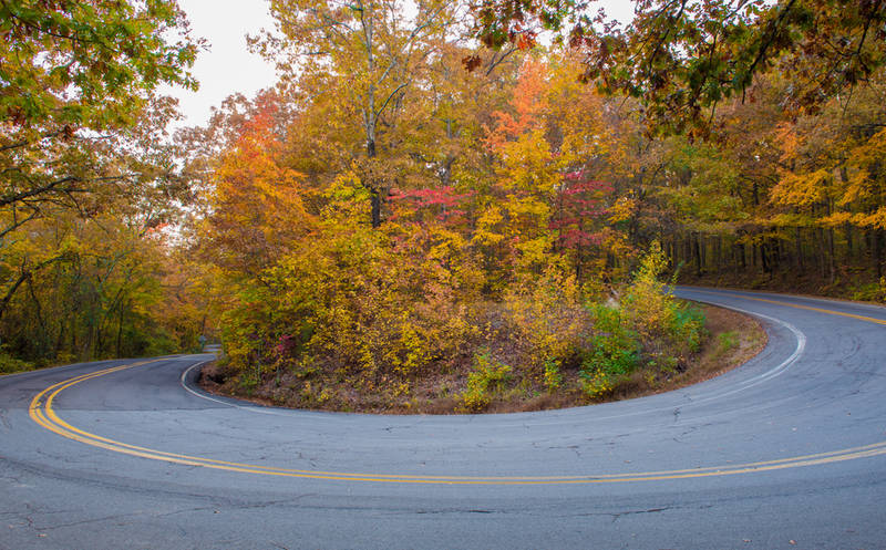 top-best places to see the leaves change-this-fall-ozarks