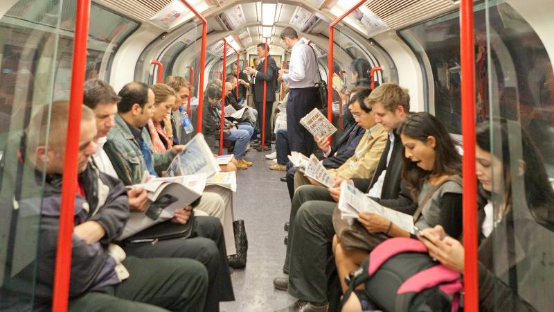 London-Do's-and-Don'ts-Underground