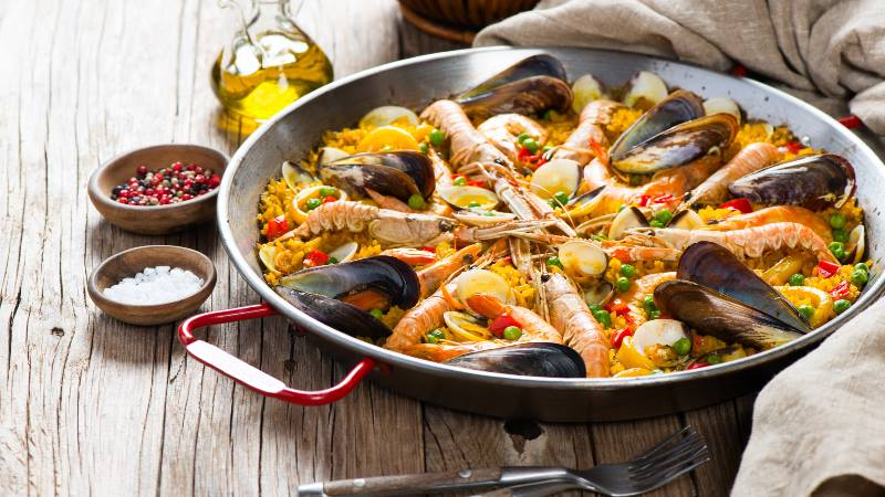 Barcelona-Do's-& Don'ts-paella