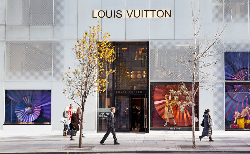 top-best places to shop in new york-shortlist-fifth-avenue
