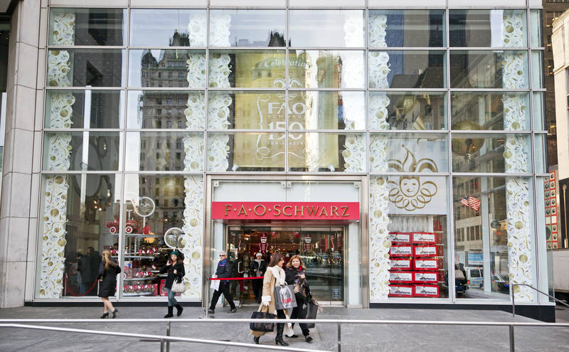 top-best places to shop in new york-shortlist-fao schwartz