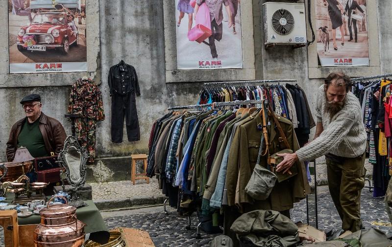 flea market - shopping in paris