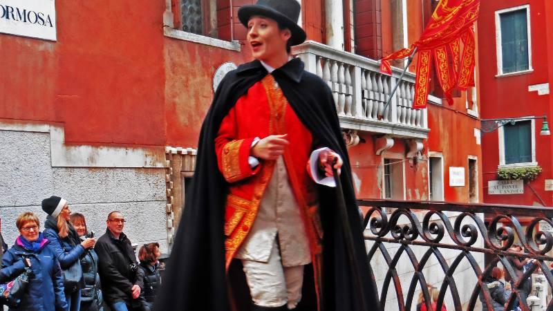 Venice-Carnival-walks