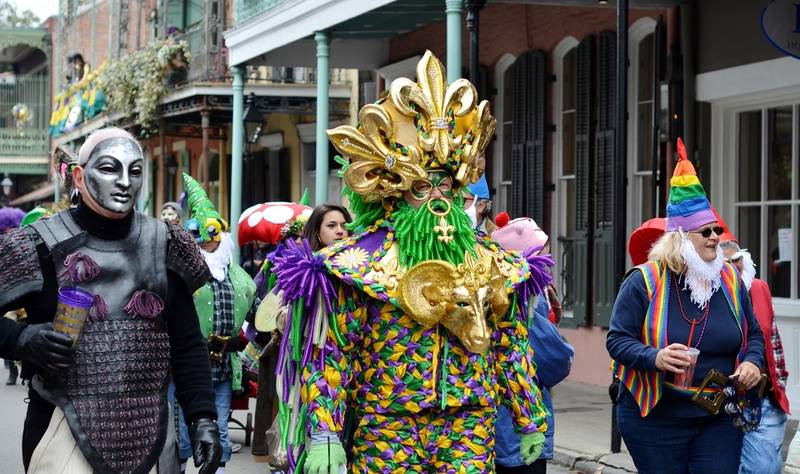 top-best-things to do during mardi gras-costumes