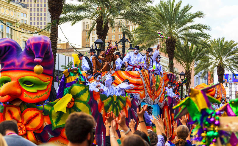 top-best-things to do during mardi gras-escape-french-quarter