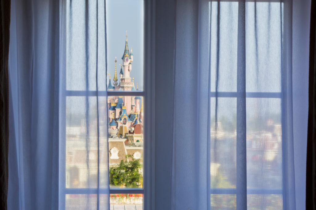 Castle_Club_at_Disneyland®_Hotel