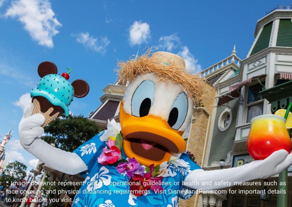 Donal Duck in Disneyland Paris