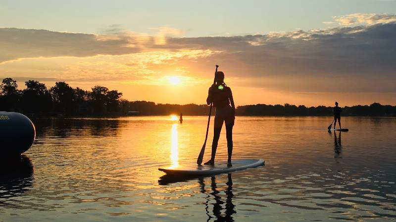 Holiday-to-enjoy-alone-paddle-boarding