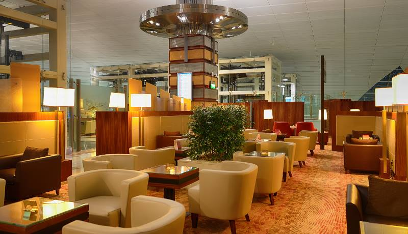 Airport-lounge-with-seats-and-nice-decor-travel-apps-2020