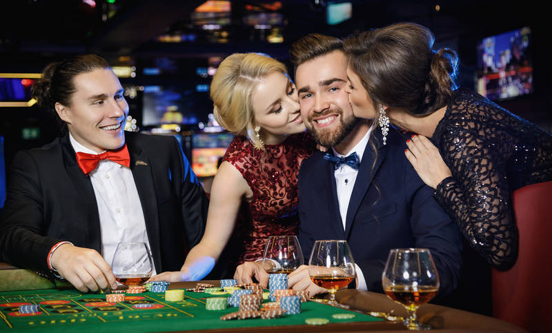 best places to visit for singles-valentine's day-las vegas