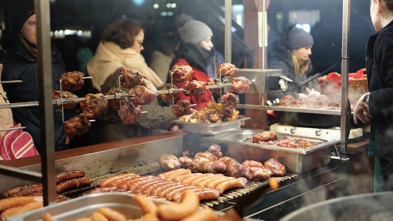 Street-food-stall-Warsaw-winter-food