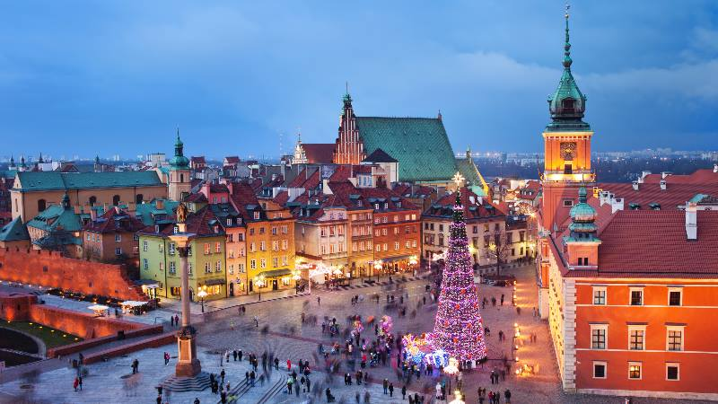 Christmas-tree-in-Warsaw-square