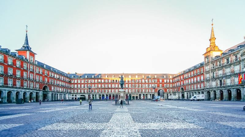 view-of-square-in-madrid-isango-2020-destination-madrid