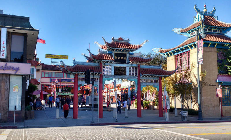 touring los angeles on a budget-chinatown