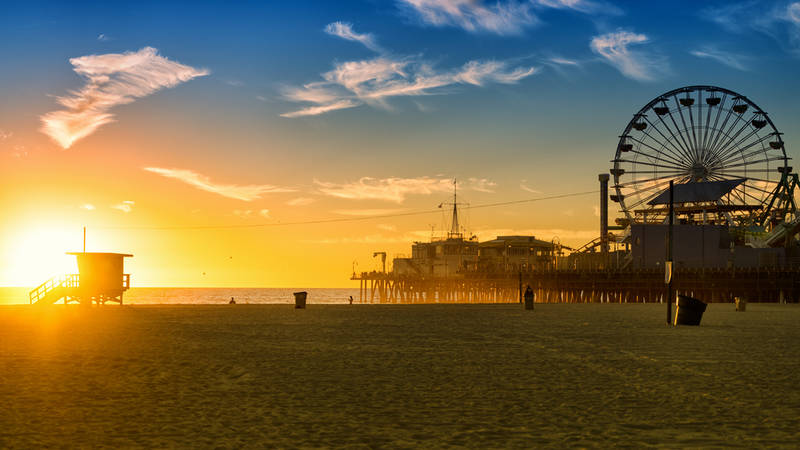 touring los angeles on a budget-santa-monica-beach