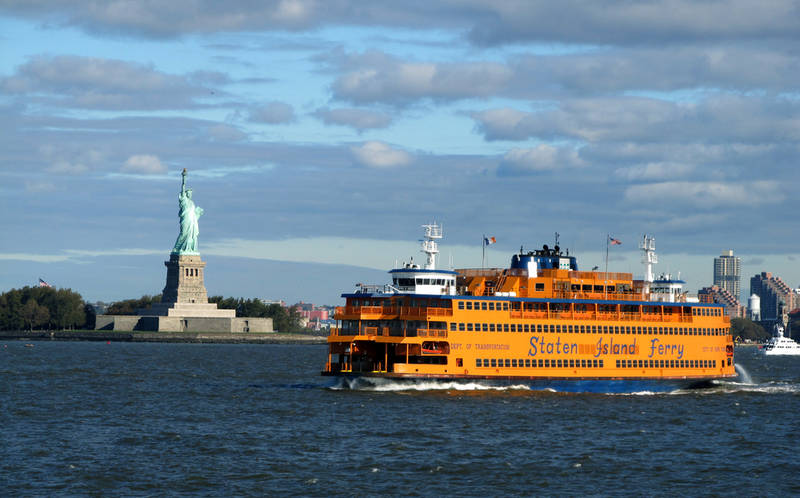 touring new york on a budget-staten-island-ferry