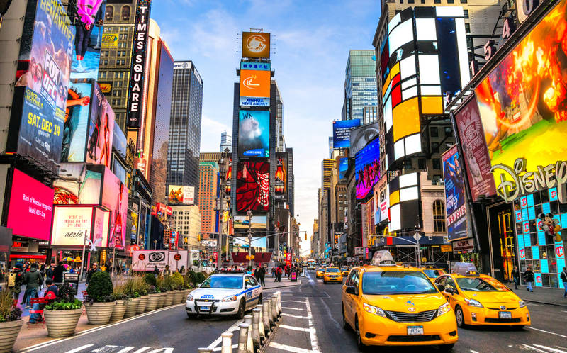 touring new york on a budget-times-square