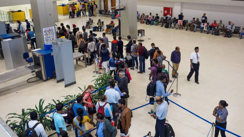 Queues-of-people-waiting-at-airport-customs