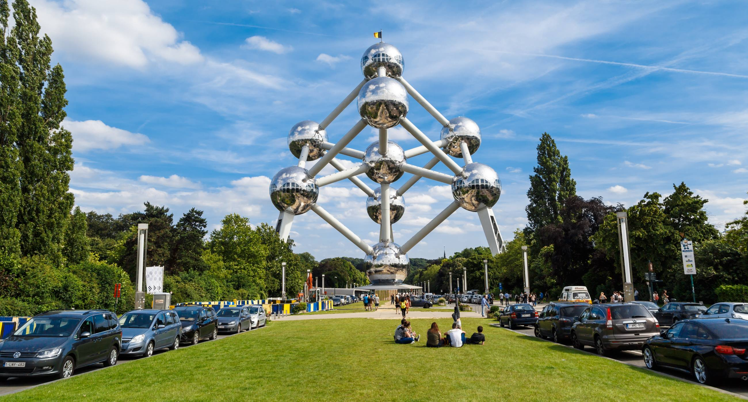 Atomium-structure-of-Belgium-do's-and-don'ts
