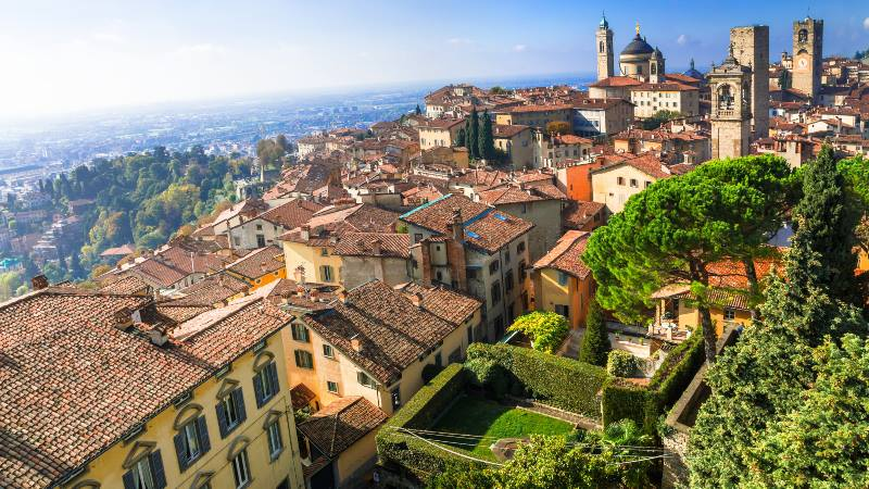 View-of-old-town-of-Bergamo-milan-do's-and-don'ts
