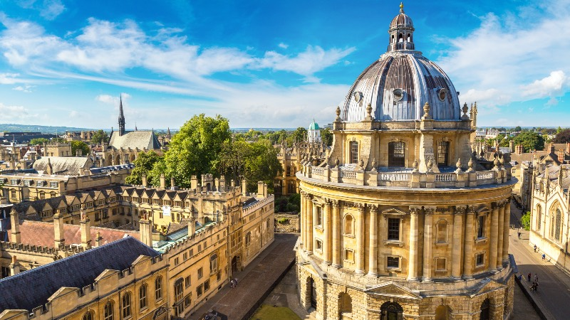 Oxford streets and the University buidlings
